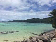 Från Seychellerna härlig strand Royaltyfria Bilder