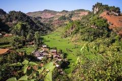 Från Yenbai till Sapa risfältby, norr Vietnam Royaltyfri Fotografi