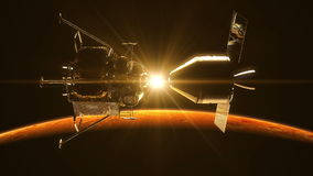 Frånkoppling av rymdstationen i strålarna av solen över fördärvar arkivfilmer