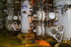 Frånlands- oljeraffinaderi för riggar Väl head station på plattformen Arkivbild