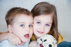 Frère et soeur Photographie stock