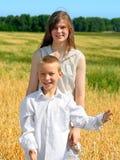 Frère et soeur Photo stock