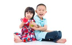 Frère et soeur asiatiques photographie stock