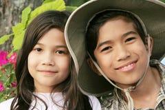 Frère et soeur heureux Image libre de droits