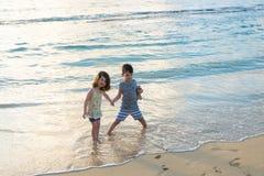Frère et soeur Siblings Lifestyle Portrait Photographie stock libre de droits