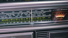 Fréquence par radio analogue de accord de cadran sur l'échelle du récepteur de vintage clips vidéos