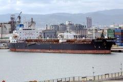 Fröcken Marina Chemical Tanker i port av Barcelona Royaltyfria Bilder