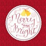 Fröhlich und hell Weihnachtskarte mit Kalligraphie Lizenzfreies Stockfoto