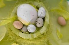 Fröhliche Ostern - Eier stockbild