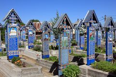 Fröhlicher Kirchhof in Sapanta, Rumänien Lizenzfreie Stockfotos
