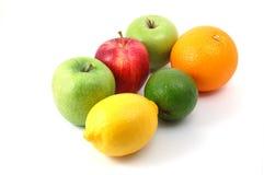 Früchte auf Weiß Lizenzfreie Stockfotos