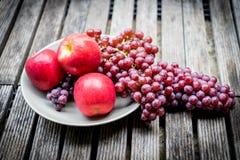 Früchte der roten Traube Lizenzfreie Stockfotos
