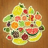 Früchte, die auf Holz beschriften Lizenzfreie Stockbilder