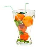 Früchte in einem Glasvase stockbilder