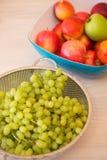 Früchte im bown lizenzfreies stockbild