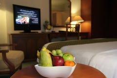 Früchte im Hotelzimmer lizenzfreies stockfoto