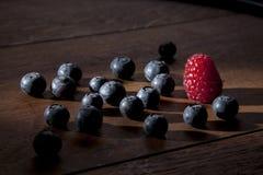 Früchte im Standlicht Stockfoto