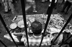 Früchte klemmen an den alten Hafenstraßen, Istanbul fest Lizenzfreies Stockbild