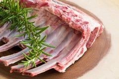 Früchte und andere Nahrungsmittel Lammrippen Rohes Fleisch Lizenzfreie Stockfotos