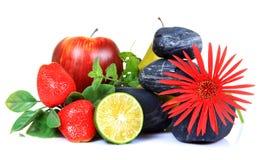 Früchte und Blumendekoration Stockfoto