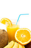 Früchte und Cocktail Stockfoto