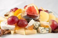 Früchte und Käse Stockbild