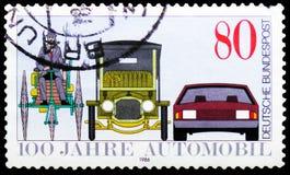 Frühe und moderne Autos, Jahrhundert von Automobil serie, circa 1986 lizenzfreies stockbild