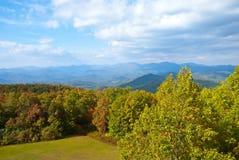 Früher Herbst/Berge Stockbild