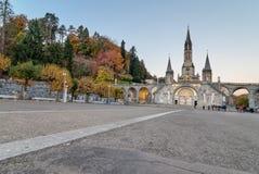 Früher Morgen-Ansicht von Lourdes Sanctuary lizenzfreie stockfotografie