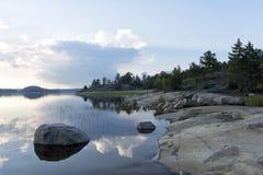 Früher Morgen auf der einsamen Insel Stockbild