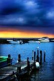 Früher Morgen auf einem Pier stockbild