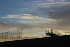 Früher Morgen am Baseballplatz Lizenzfreie Stockfotografie