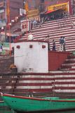 Früher Morgen bei Benares, Indien Stockbilder