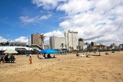 Früher Morgen-Besucher auf Nordstrand in Durban Lizenzfreies Stockbild