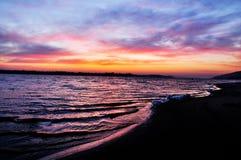 Früher Morgen in dem Dnieper-Fluss mit Sonnenaufgang Lizenzfreies Stockfoto