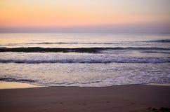 Früher Morgen der Küste bei Schwarzem Meer Stockfotos