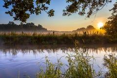 Früher Morgen Dinkel-Nebenflusses Stockfotografie