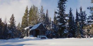 Früher Winter-kleines Haus Lizenzfreies Stockbild