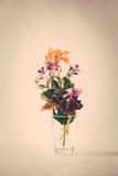 Frühling blüht Blumenstraußretrostil Stockfoto