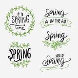 Frühling, der Grün- und Schwarzsatz beschriftet Lizenzfreie Stockbilder