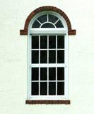 Frühlings-Hausfenster stockbilder