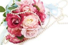 Frühlings-Rosen-Brautblumenstrauß Lizenzfreies Stockbild