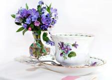 Frühlings-Tee lizenzfreie stockfotografie