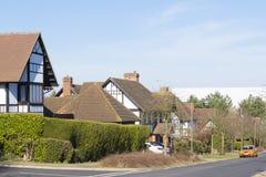 Frühlingsansicht bei zwei Meilen-Aschbereich in Milton Keynes, England Stockfotos