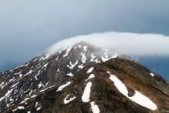 Frühlingsansichten der schneebedeckten Berge der Türkei Bildung und Lizenzfreie Stockfotos