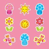 Frühlingsaufkleber stellte mit netter Schmetterlings-, Pilz- und Blumenkarikatur ein Lizenzfreie Stockfotos