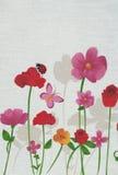 Frühlingsblumen, buterfly und Marienkäfer Stockfotos