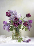 Frühlingsblumenblumenstrauß Stockfotografie