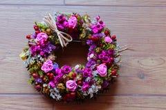 Frühlingskranz von Trockenblumen Lizenzfreie Stockbilder