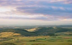 Frühlingslandschaft mit schönen Farben Lizenzfreie Stockfotografie